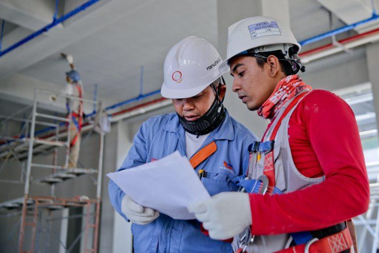 La sicurezza è certamente una delle priorità in qualsiasi posto di lavoro, come fa la Realtà Aumentata a garantirne l'efficienza? Scopriamolo insieme.